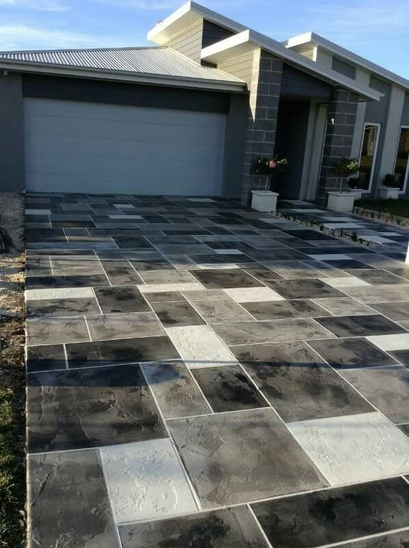 Ashler Slate Pattern   With White Grout, And Random Black And Grey Stains.