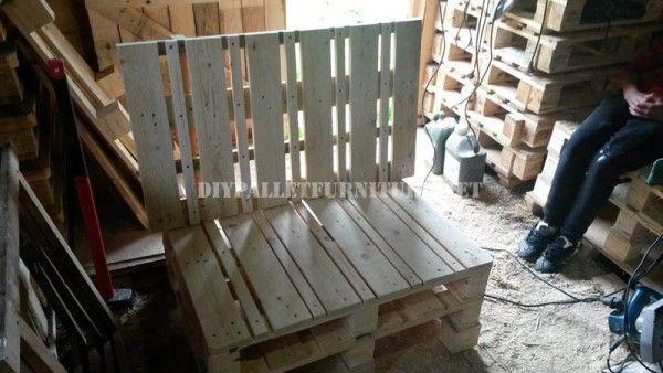Canapé et table en plein air avec des palettes 2
