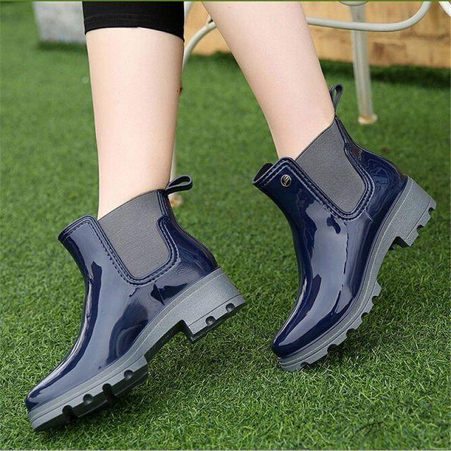 2016 Женские резиновые полусапоги на платформе женские резиновые ботинки на низком каблуке водонепроницаемая обувь без застежки женская обувь большие размеры 36–41 купить на AliExpress