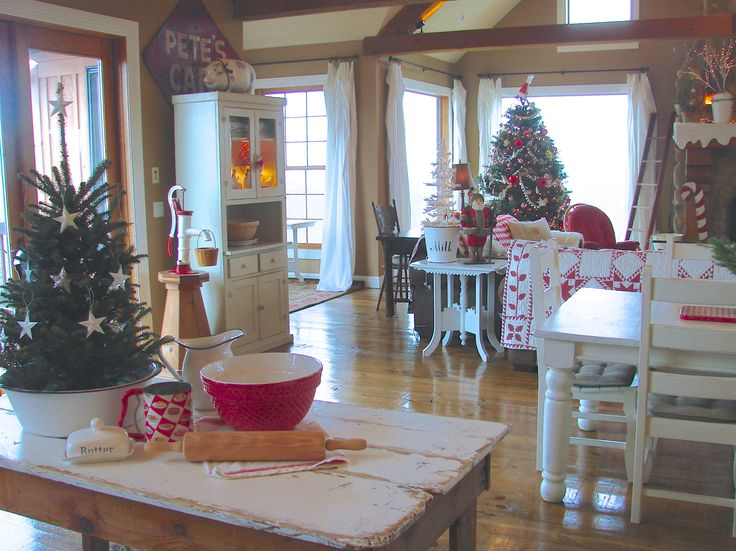 1000 images about farmhouse christmas style on pinterest for Farmhouse christmas decorating ideas