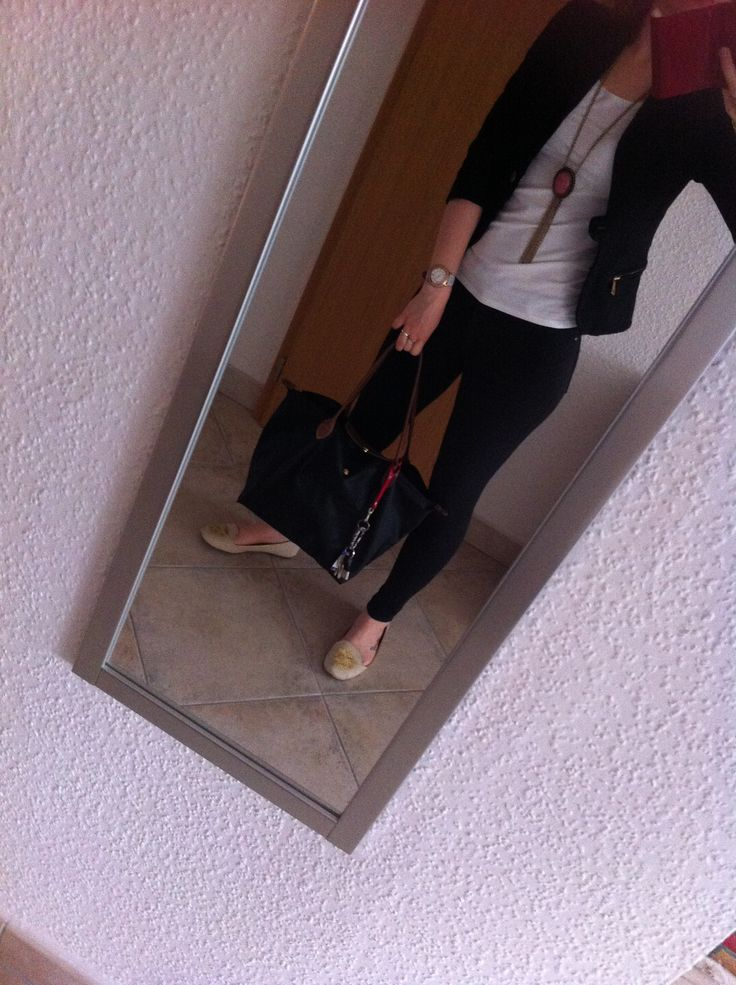 OOTD lunch with girls. Nude lords, longchamp, guess watch, black-white basics #Enjoy Yourself