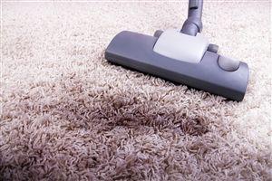 Cómo renovar nuestras alfombras dejándolas como nuevas… Algunas alfombras, si son pequeñas, y de algodón, se pueden lavar a mano o en la lavadora con detergentes ecológicos o jabón natural. La limpieza es un poco más complicada en el caso de alfombras grandes o delicadas, pero sin embargo también se pueden limpiar, usando algunos aliados simples, tales como sal común, bicarbonato de sodio almidón de maíz. Bicarbonato de sodio La solución más sencilla para la limpieza de alfombras en el…