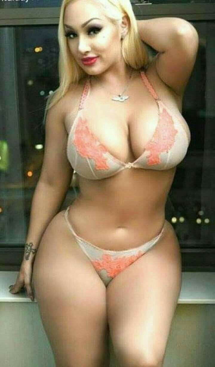 Excellent Curvy thick sexy nude girl