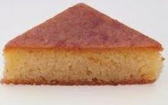 Υλικά½ κιλό σιμιγδάλι ψιλό½ κιλό σιμιγδάλι χονδρό1 γιαούρτι total (ή, 200 gr στραγγιστό γιαούρτι)2 νεροπότηρα ζάχαρη2 ½ νεροπότηρο χλιαρό νερό1 κουταλάκι του γλυκού μαστίχα Χίου2 βανίλιες2 φακελάκια μπέικιν πάουντερ1 κουταλάκι του γλυκού αλεύρι για όλες τις χρήσεις Σιρόπι1 κιλό ζάχαρη4 ποτήρια νερόφλούδα από ένα πορτοκάλι ΕκτέλεσηΗ παρασκευή αυτού του γλυκού είναι πανεύκολη.Θρυμματίζουμε με τον πλάστη, στον πάγκο της κουζίνας, τη μαστίχα Χίου με το ένα κουταλάκι αλεύρι και με ένα κουταλάκι…