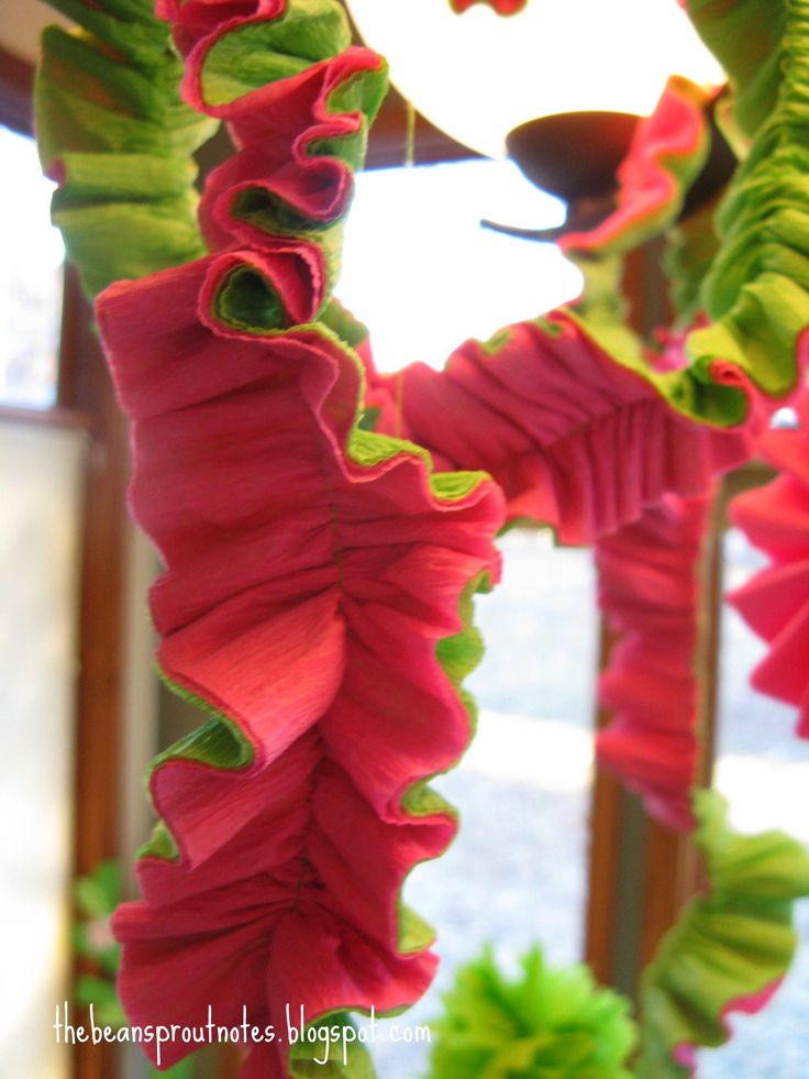 colorful spanish party paper decorating   The Bean Sprout Notes: Crepe Paper Party Garland!