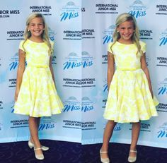 We picked out five interview dresses from International Junior Miss 2016 to feature that would look great on titleholders of different age groups for you to get inspiration from. Click to take a look!