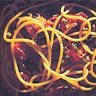 Linguine met tomaten, olijven en kappertjes