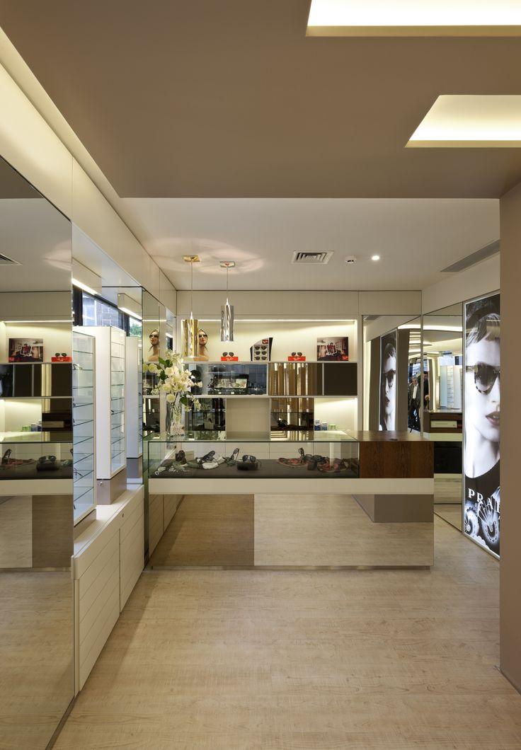 XYZ Arquitectos Associados - Óptica Oliveira - Braga - Portugal - interior design - optical store - Easy pendant light Kartell