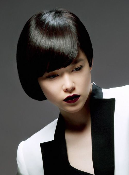 Pictures of Short Straight Haircuts 2012 – 2013 | http://www.short-haircut.com/pictures-of-short-straight-haircuts-2012-2013.html