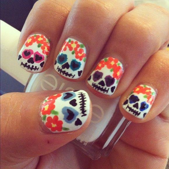 Sugar Skull Nail Art - 41 amazing sugar skull nail designs photo ...