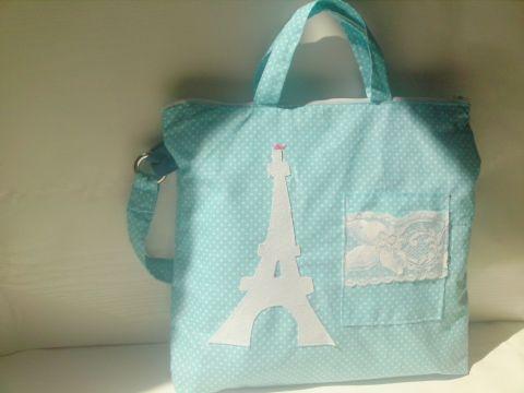 Kék-fehér pöttyös nyári táska, Táska, Válltáska, oldaltáska, Nyári kék-fehér pöttyös táska aminek az elejére filc anyagból tettem a díszítést,és a zs..., Meska