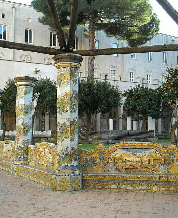 The maiolica cloister in Santa Chiara in Naples (1739-1742)