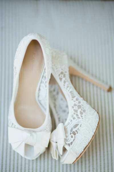 Love these lace heels!!