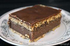 Kaszak to bardzo proste ciasto bez pieczenia. Jego głównym składnikiem jest kasza manna stąd jego nazwa. Jest bardzo smaczne i posmakuje także tym osobą, które za kaszą nie przepadają. Doskonały deser dla dzieci jak również dorosłych. Polecam, gwarantuje że zniknie bardzo szybko