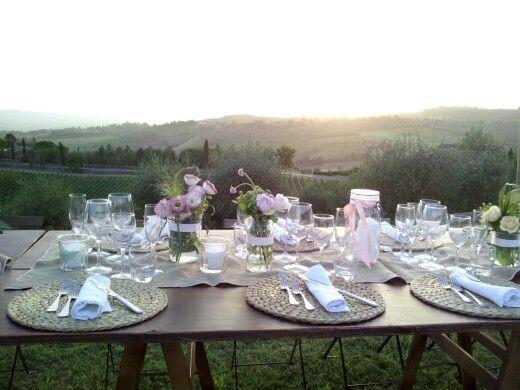 Centrotavola matrimonio con barattoli. fiori misti rosa e pesca. Luglio 2015