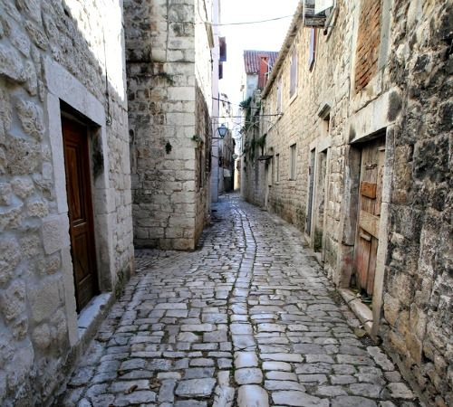 A guide about Trogir Croatia to know all about things to see and do, history, tourist  information, accommodation and how to get to Trogir