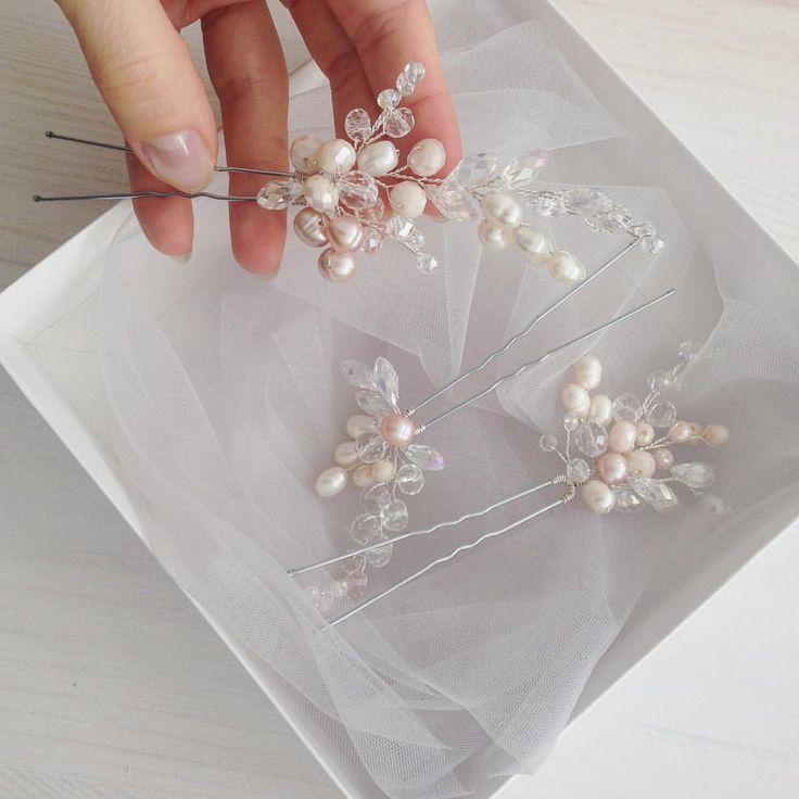 62 отметок «Нравится», 3 комментариев — Свадебные и вечерние украшения (@berrybranch_ukraine) в Instagram: «Просто нежнятина , шпильки с хрусталиками, речным жемчугом и стеклянными бусинами Мечта невесты…»