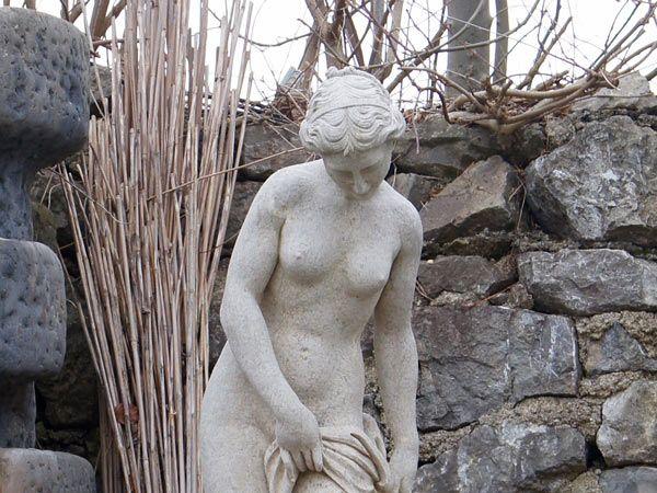 Steinfigur / Steinskulptur aus Naturstein | Exklusives Design für Ihren Garten |Individuell & Extravagant