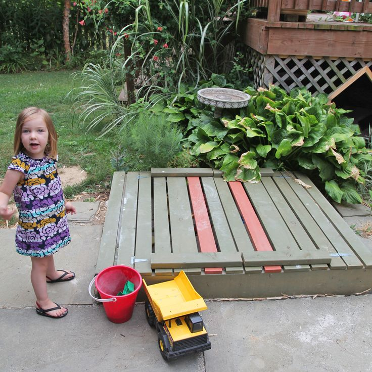 DIY Sandbox with Lid & Benches | Stately Kitsch