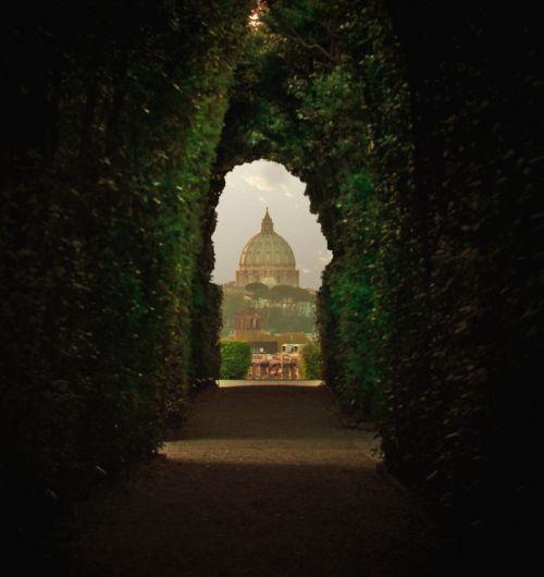 eccellenze-italiane:  San Pietro, Roma Ho dipinto d'oro il giardino by e_lisewin on Flickr.