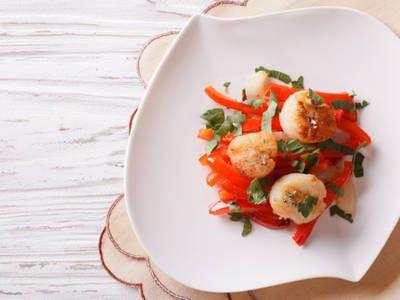 Herb & peppered seared scallops
