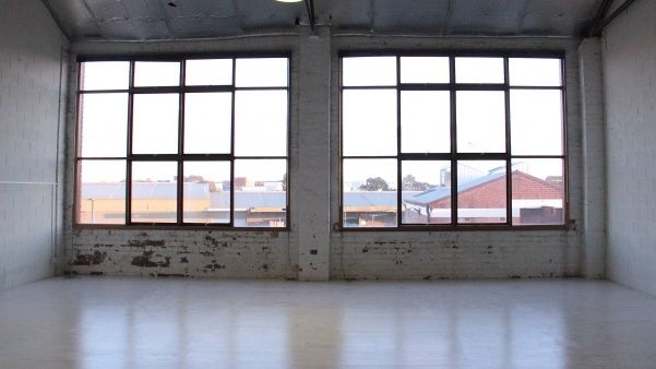 NA - Dance Space 9x6m too small