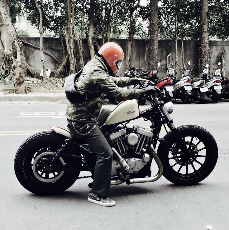 "novosgarage: ""Source: Japan Style Bobbers & custom old school "" #harleydavidsonbobbersoldschool"