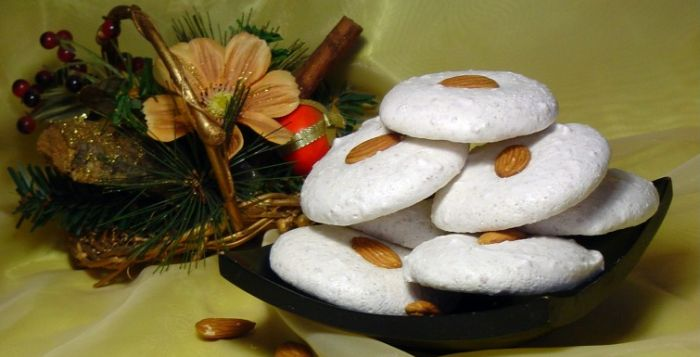 """�аг��зка... Читайте також також Неймовірне печиво нашвидкоруч Печиво """"Підковки"""" Кураб'є. Дивовижне розсипчасте печиво з солодкою краплею тягучого варення в серединці Яблучні вушка в сирному тісті … Read More"""