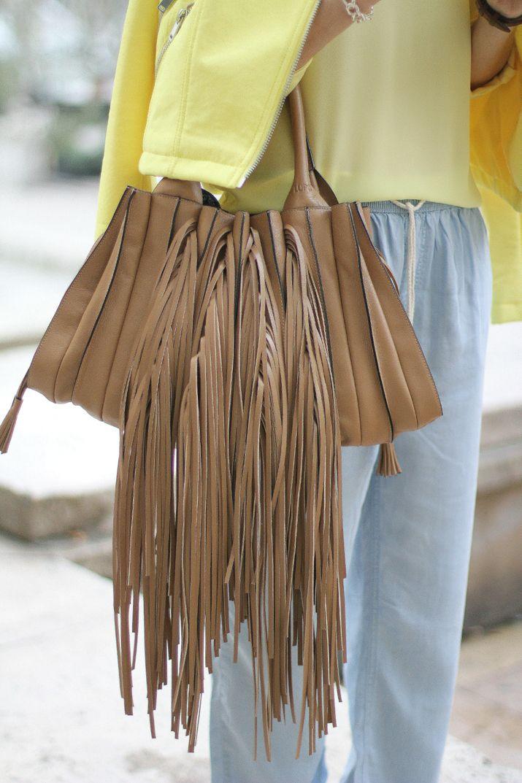 KEEP IT LIGHT | PARIS FASHION WEEK - Mes Voyages à Paris Lupo Barcelona Fringes bag Fringed bag Bolso flecos Tendencias Trends Spring Summer 2015 trends