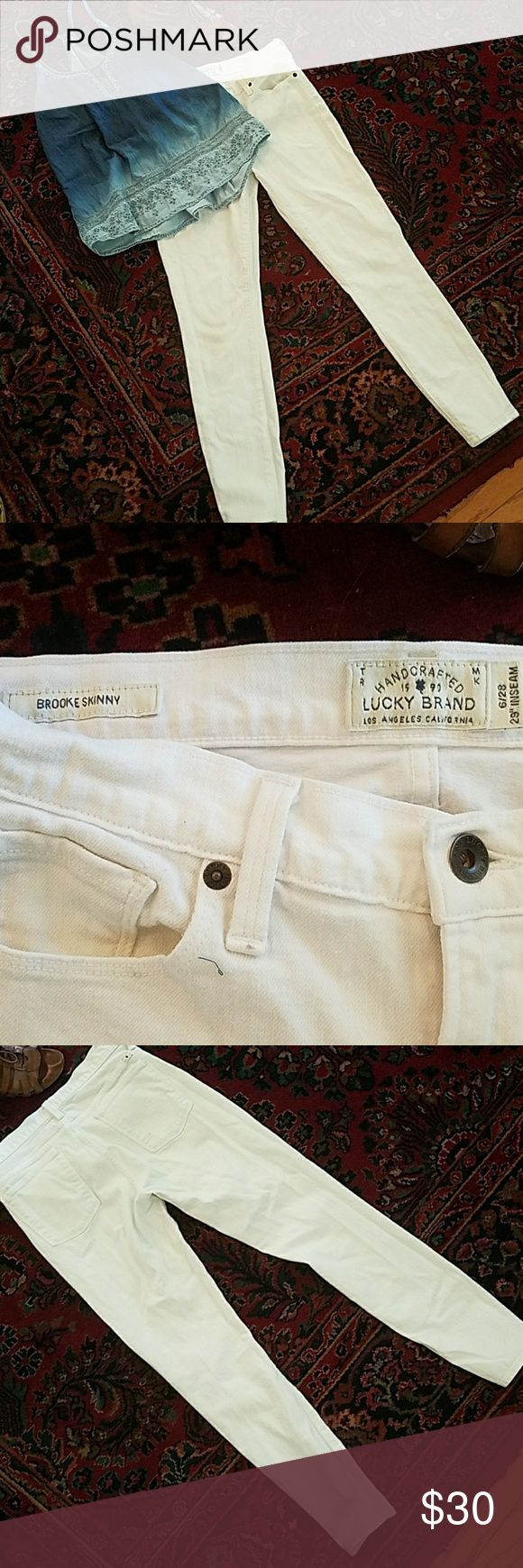 White Lucky Brand Jeans Brooke skinny size 6 28 Perfect for summer, flawless mid rise jeans by Lucky Brand. I worked at lucky for a while so these are from the actual Boutique not the outlet and are very high quality. This style is the Brooke skinny. It is labeled a size 6 28 with a 29 inch inseam. They look great cuffed or let down and are very versatile. Lucky Brand Jeans Skinny