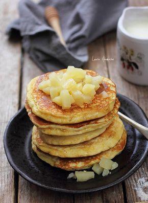Pancakes cu ananas, reteta pentru micul dejun. Cum se fac clatitele americane pancakes in casa, o reteta simpla si delicioasa.