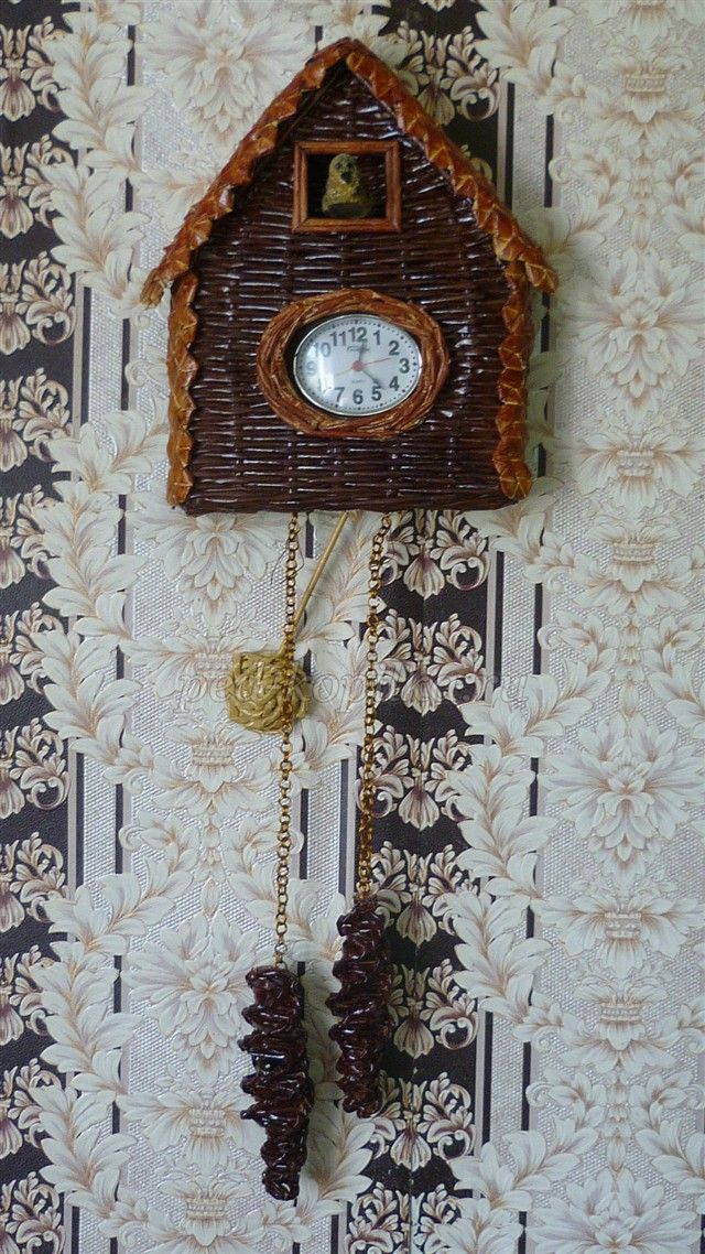 Плетение из газетных трубочек. Мастер-класс часы