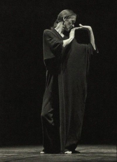 nock-nock-nock:  Yohji Yamamoto for Pina Bausch, 25th anniversary of the Tanztheater Wuppertal foundation, 1998