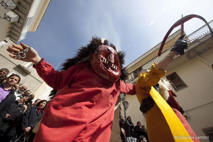 """""""Diavuluni"""": Ballo Diavoli Prizzi (Palermo) - Domenica di Pasqua  """"Diavuluni"""" Pizzi,(near Palermo) The Dance of the Devils - Easter Sunday  #easterinsicily #visitsicily #prizzi"""