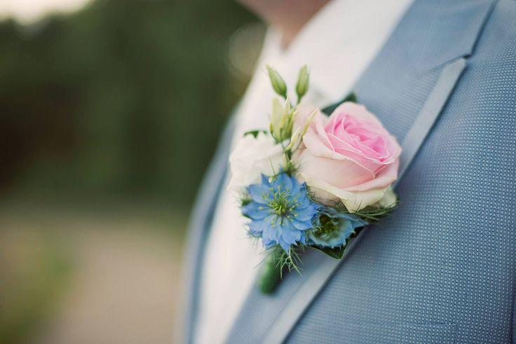 Prachtige bruidegomcorsage www.fleurengeur.nl