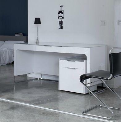 15 best ligne roset 39 desks 39 images on pinterest ligne roset office desks and desks. Black Bedroom Furniture Sets. Home Design Ideas