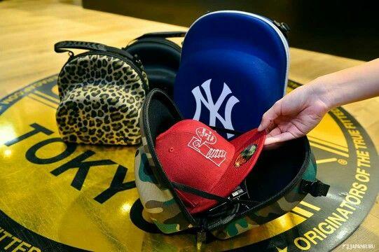 CAP CARRIER @ NEW ERA®TOKYO in Harajuku #japankuru #japan #cooljapan #tokyo #100tokyo#newera #cap #fashion #shopping #harajuku