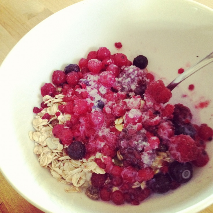 Berry muesli - delish breakfast from Michelle Bridges 12WBT