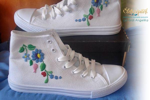 Folk Fashion   Kalocsai mintával hímzett tornacipők