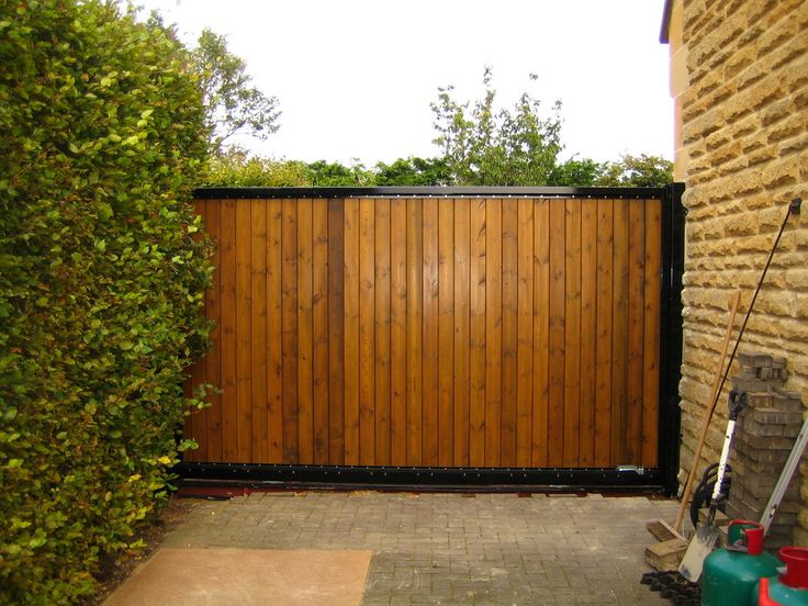 Best 25 electric driveway gates ideas on pinterest for Motorized driveway gate price