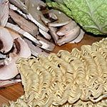 Zupa ze schabem i kapustą pak choi (lub pekińską)