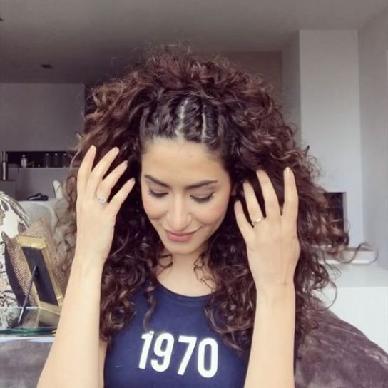 Hairstyles and Hair Color Proposals for Curly Girls - crazyforus - Hairstyles for curly hair - #color #crazyforus #Curly #Girls #Hair #Hairstyles #Hairstylesforcurlyhair #Proposals