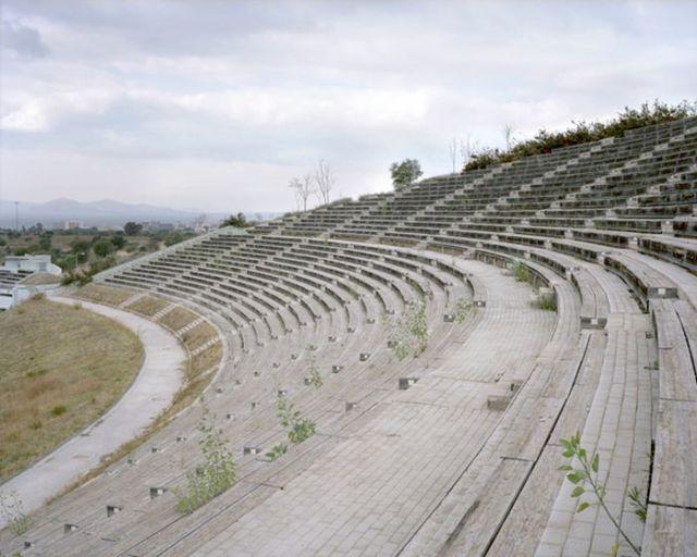 Incrível! Depois dos jogos olímpicos de 2004, estádios e arenas de Atenas estão abandonados | O Buteco da Net