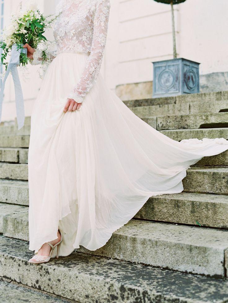 Elegant Parisian wedding dress: Photography: Esther Sun - http://www.esthersunphoto.com/