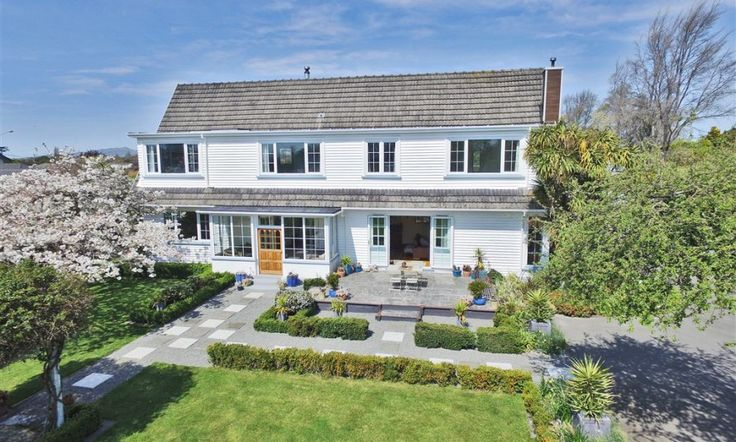 SOLD AT AUCTION: 13 Swanleigh Place, Ilam, Christchurch NZ
