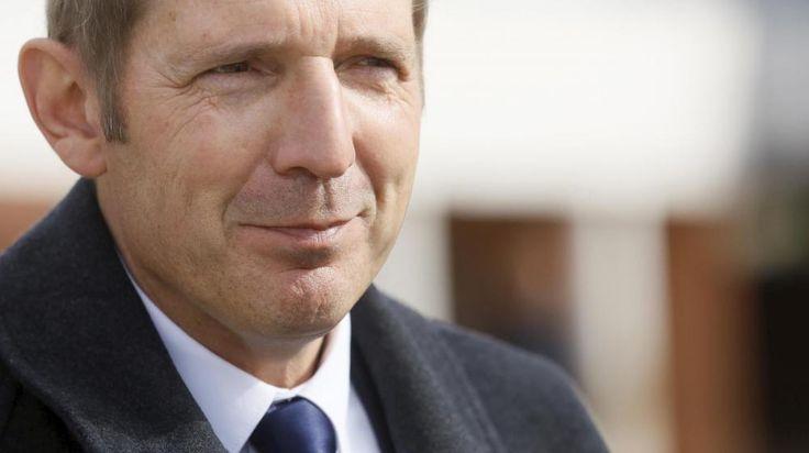 Philippe de La Grange, tête de liste du Rassemblement bleu Marine pour les élections municipales au Luc (Var), le 30 mars 2014. |   MAXPPP