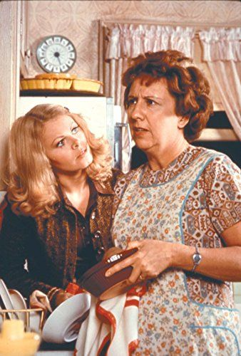 Sally Struthers and Jean Stapleton in All in the Family (1971)