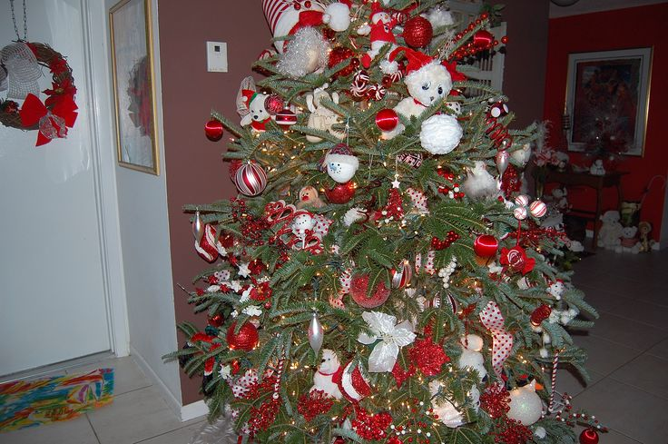 17 best images about christmas decor red white ornaments for White tree red ornaments