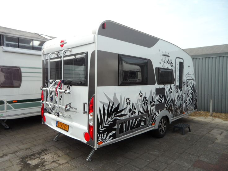 Deze BURSTNER CARAVAN AVERSO + 440 TK is te huur bij Kampeercentrum de Jong