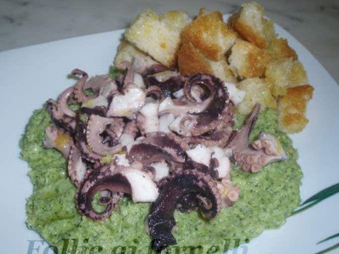 Polpo con pane croccante su crema di broccoli siciliani